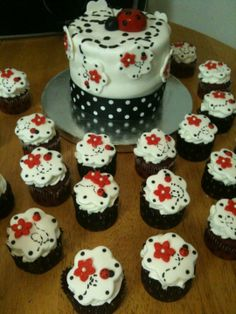 Ladybug Themed Cake/cupcakes red velvet cupcakes with fondant topper, cake is chocolate covered in buttercream and fondant Baby Shower Cakes Neutral, Boy Baby Shower Themes, Baby Shower Cupcakes, Fondant Toppers, Fondant Cupcakes, Cupcake Cakes, Velvet Cupcakes, Ladybug Cakes, Baby Ladybug