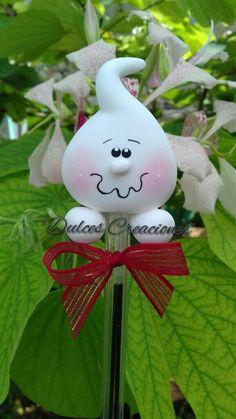 Hello Kitty Halloween, Halloween Kids, Halloween Crafts, Holiday Crafts, Halloween Decorations, Polymer Clay Halloween, Polymer Clay Ornaments, Clay Projects, Clay Crafts