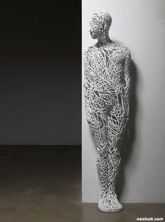 chihyun-shin sculptures Camouflage-Human(1), watercolor on plaster, 60 x 50 x 180(h) cm, 2011