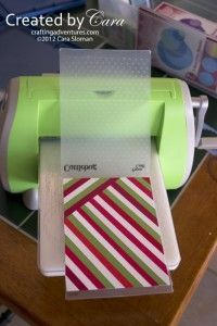 I love this idea! I have so many pieces of scrap paper I hate to throw away, n… I love this idea! I have so many pieces of scrap paper I hate to throw away, now I know what to do with them. The post I love this idea! I have so many pieces of … Card Making Tips, Card Making Techniques, Making Ideas, Embossing Techniques, Cute Cards, Diy Cards, Scrapbooking Technique, Karten Diy, Card Tutorials