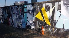 « Mes derniers travaux in situ me permettent de remettre mes sujets issus de la rue dans leur « milieu naturel . Ainsi, j'arrache à la rue des bouts de portraits d'a