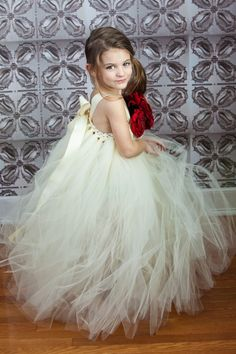 this would so be cute with purple chystals in it or in purple tutu material. still a cute flower girl dress.