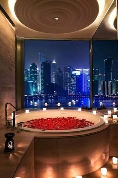Rose Petals & Candles - Bathroom spa design of luxury hotel, Banyan Tree in Shanghai - We love that incredible view. Romantic Bathrooms, Dream Bathrooms, Dream Rooms, Amazing Bathrooms, Luxurious Bathrooms, Romantic Room, Hotel Bathrooms, Romantic Night, Romantic Ideas