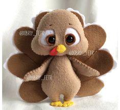 Felt Crafts Diy, Felted Wool Crafts, Felt Diy, Sewing Stuffed Animals, Stuffed Toys Patterns, Felt Wreath, Felt Quiet Books, Felt Birds, Creation Couture