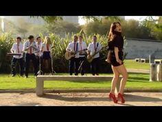 Natalia Oreiro . 2013 . Con Agapornis en Solamente Vos - YouTube