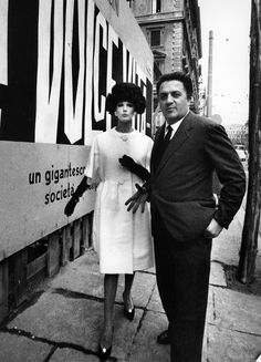Simone D'Aillencourt And Federico Fellini, La Dolce Vita, 1963 1960s Fashion, Vintage Fashion, Rome, William Klein, Love Clothing, Famous Photographers, Great Films, Vintage Glamour, Vintage Vogue