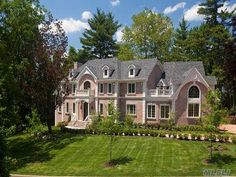 "Welcome to ""Le Bijou"", Opulence and European Grandeur located in beautiful Great Neck Estates. Great Neck, NY 
