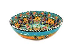 Schale 26 cm in hellblau-gelber Colorierung handgemacht aus Keramik. Detailreich nach Ottomanen Style und Mustern handbemalt. Herstellung: Handmade, Einzelstück Material: Keramik, gewölbte Oberfläche Größe: 26 cm Durchmesser / 10 cm Hoch