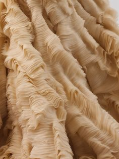 detail of the Oyster Dress by designer Alexander McQueen, great site, you can see the whole dress and zoom into the closeups