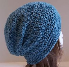 Free pattern on Ravelry: Ginger Slouchy Hat by Kristina Olson Crochet Adult Hat, Bonnet Crochet, Crochet Beanie Hat, Slouchy Hat, Knit Or Crochet, Crochet Scarves, Crochet Crafts, Crochet Clothes, Crochet Projects