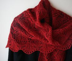 Ravelry: gussie's damask - love the red -- CHRISTMAS. #afs