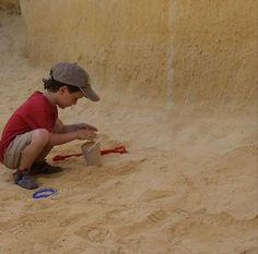 La arena gana a casi que todo para el juego, eso si... igualada está el agua!!!! #jugaresesencial