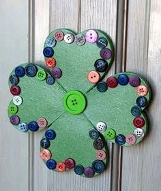 DIY  Welcome Button Shamrock