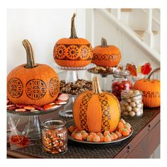 12 Creative No-Carve Pumpkin Ideas ❤ liked on Polyvore featuring home, home decor, holiday decorations, pumpkin home decor and halloween home decor