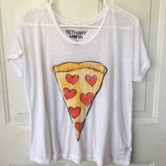 pizza lover  hearts Top so cute size large This is so cute it's not  Wildfox I just put it in that category so it would be seen it's a size large cotton material good condition Wildfox Tops Tees - Short Sleeve