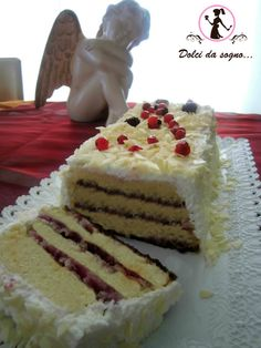 torta al cioccolato bianco e frutti di bosco