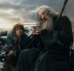 Bilbo & Gandalf after the death of Thorin on Ravenhill Legolas, Baggins Bilbo, O Hobbit, Thranduil, Lotr, Thorin Oakenshield, Kili, The Middle, Middle Earth
