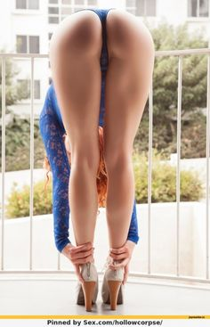 стройные ножки и сочная попка