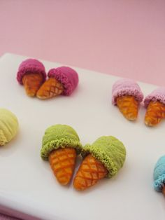 Ice Cream Stud Earrings Polymer Clay // Dessert por MyMiniMunchies