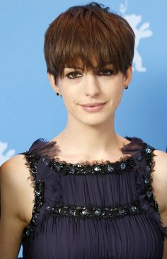 Anne Hathaway's Hair Is Growing Out