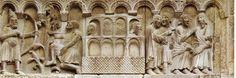 Particolare del portale minore di destra della basilica di San Geminiano.  Il rilievo rappresenta in un primo momento l'uccisione di Caino operata dalla freccia di Lamech; successivamente abbiamo la navigazione ed infine lo sbarco dell'Arca di Noè.