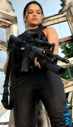 Alice has a gun - Milla Jovovich
