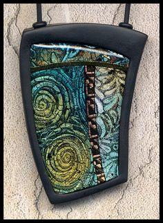 stunning pendant by Pollydogz designs