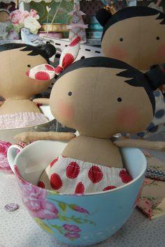 Sweetheart doll... (omG!.....cups full of little sweetheart tilda dolls! Yummy for my eyes!!)...