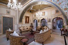 Sheesh-Mahal-Lounge at Alsisar Haveli Jaipur. @dalsisar  @wearerajasthan #Rajasthan #Alsisar #Haveli #Jaipur #Heritage #Hotel