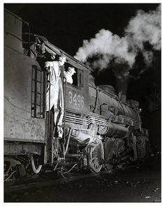 CNR, Fort Erie, Ontario, 1957. #vintage #Canada #trains