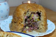 The dark, wet, wintry weather's dragging on and when it's like this there's nothing more welcome than an old fashioned bacon and leek suet pudding. Suet Pudding, Pudding Recipes, Bacon Stuffed Mushrooms, Stuffed Peppers, Slow Cooker Bacon, Best Bacon, Bread Cake, Puddings, Pudding