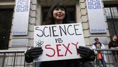 «Марши взащиту науки» повсему миру. Как это было — Meduza