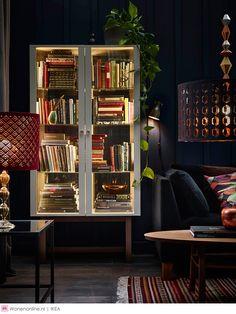 Een duurzame mijlpaal voor IKEA: vanaf september 2015 zijn er alleen nog maar led-lampen verkrijgbaar bij het woonwarenhuis. De milieuvriendelijke lampen verbruiken tot 85 procent minder energie dan traditionele lampen en gaan tot wel 20 jaar mee. Led-verlichting is bovendien niet alleen goed voor de portemonnee en de planeet, maar biedt dankzij het kleine formaat ook eindeloos veel nieuwe mogelijkheden op design gebied.