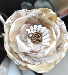 ivory gold cream bead gold lace brooch flower hair clip vintage bride corsage xl Cloth Flowers, Burlap Flowers, Diy Flowers, Flowers In Hair, Fabric Flowers, Paper Flowers, Ribbon Flower, Fabric Flower Necklace, Flower Brooch