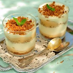 This French-inspired trifle stimulates the taste buds and introduces baby to new textures and flavors! It's the perfect dessert! Tiramisu Caramel, Caramel Pudding, Sauce Caramel, Baby Food Recipes, Gourmet Recipes, Cooking Recipes, Easy Recipes, Cheap Recipes, Receita Trifle