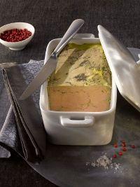 terrine foie gras mi cuit lafitte..  LA bonne méthode !!!  ….Pour les fêtes!! Chopped Liver, Charcuterie, French Food, Fall Recipes, Truffles, Mousse, Entrees, Tasty, Meals