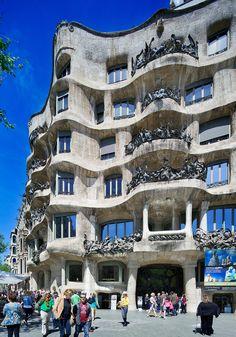 La Pedrera (Casa Mila)   Barcelona, Spain   Antoni Gaudi