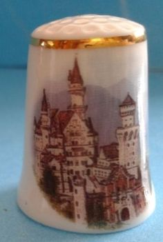 "Porzellan  ""NEUSCHWANSTEIN CASTLE"" - Thimble  Germany"