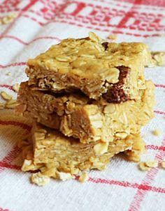 Ovsene snickers arasidove musli fitness proteinove tycinky. Recept na www.fitnessdezerty.sk