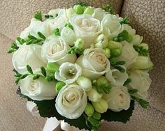 White roses with white freesias - wedding bouquet Winter Wedding Flowers, Bridal Flowers, Floral Wedding, Fall Wedding, Wedding Ceremony, Reception, Bridesmaid Flowers, Bride Bouquets, Flower Bouquets