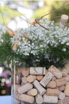 Wine Cork Wedding Decorations, Wine themed weddings, Wine Corks in Flower Vases… Wine Cork Wedding D Bodas Shabby Chic, Shabby Chic Wedding Decor, Rustic Weddings, Decor Wedding, Wedding Arrangements, Flower Arrangements, Wine Cork Wedding, Deco Champetre, Spring Wedding Flowers