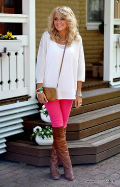 this girl has amazing style!  I want all of her clothes.