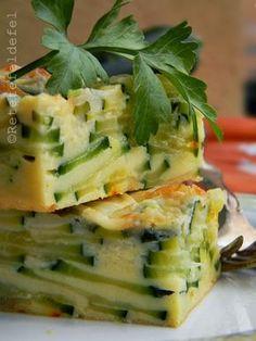 BUDINCA DE DOVLECEI | Rețete Fel de Fel Romanian Food, Romanian Recipes, Savory Tart, Soul Food, Zucchini, Food To Make, Breakfast Recipes, Healthy Lifestyle, Sandwiches