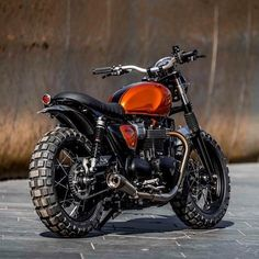 Beautiful Image of Triumph Scrambler Custom. Those ostensibly minor changes have created the Scrambler an immediate classic and a tough bike to customise, principally as a result of it's superb o. Ducati Scrambler, Xj Yamaha, Street Scrambler, Scrambler Motorcycle, Moto Bike, Motorcycle Helmet, Triumph Scrambler Custom, Motorcycle Decals, Tracker Motorcycle