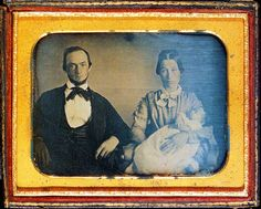 Photographer Unknown, Father and Mother Holding a Dead Child, c. 1850 - 1860s. Daguerreotype    http://www.theslideprojector.com/photo1/photo1twodaylectures/photo1lecture4.html