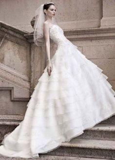 Tendance Robe De Mariée 2017/ 2018 : David's Bridal Women's Oleg Cassini Tiered Ball Gown Dress with Beaded L