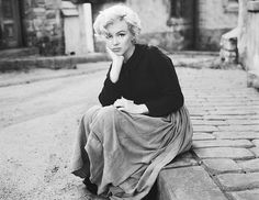 """Marilyn Monroe photographed by Milton Greene, """"All I did was believe in her. She was a marvelous, loving, wonderful person I don't think many understood."""" - Milton Greene on Marilyn Monroe. Marylin Monroe, Fotos Marilyn Monroe, Marilyn Monroe Wedding, Marilyn Monroe Outfits, Beautiful People, Beautiful Women, Simply Beautiful, Absolutely Gorgeous, Gorgeous Lady"""