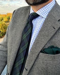 Solid Pocket Square in Dark Hunter Green - Featuring a stunning hue of forest green, your sharp pocket square will be just the piece you need to jazz your ensemble up. This piece brings forth a satin Dark Hunter, Hunter Green, Green Tie, Neckties, Pocket Square, Types Of Fashion Styles, Men's Style, Hue, Spring Fashion