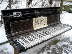 Art deco If you're going to do graffiti, do it so others can enjoy it as well. This makes me happy street art Then there was one -. 3d Street Art, Street Art Graffiti, Banksy, Urbane Kunst, Piano Bench, Piano Bar, Graffiti Artwork, Music Graffiti, Ansel Adams