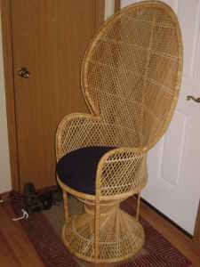 We had one of these!  Creek, pop, pop.....    Oh the sound of sitting on wicker!
